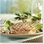 Tournedos de porc grillé, salade d'épinards, pommes et endives à l'érable au BBQ