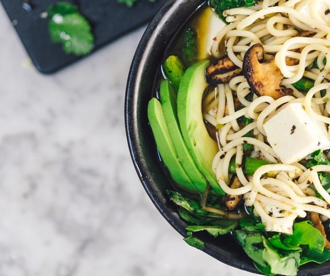 Nouilles au tofu, légumes et soupçon d'érable